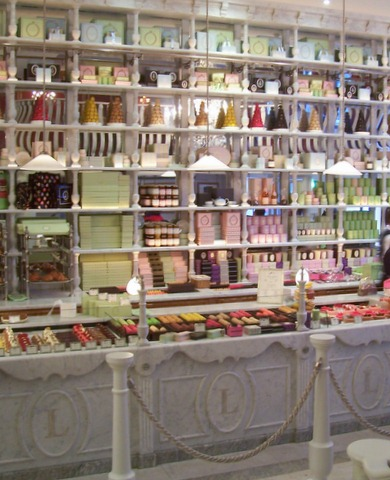harrods-candy-counter