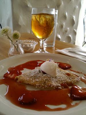 www.RickNakama.com Cream Pot Restaurant 444 Niu Street Waikiki Honolulu