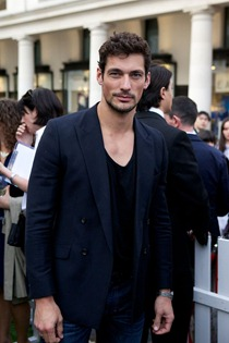 pop store tommy hilfiger David_Gandy