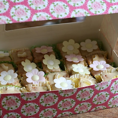 French Fancies For Cheats With Instant Fondant Fancy Icing