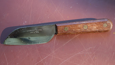 Full tang knife