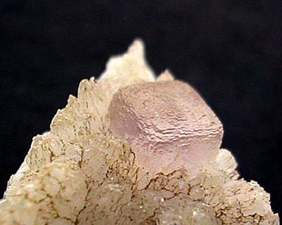 Fluorita sobre calcita