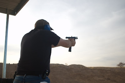 AZR Shooting a Glock 19