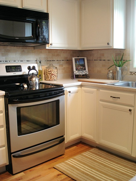 Creamy_White_Kitchen_2