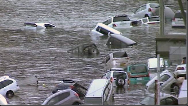 927055-japan-tsunami