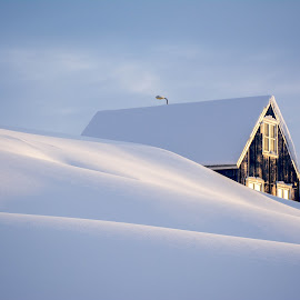 House in Kulusuk by Jon G Magnusson - Buildings & Architecture Homes ( peaceful, winter, snow, greenland, house )