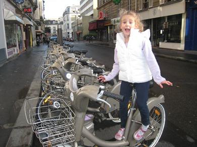 Riding the Velib in Paris