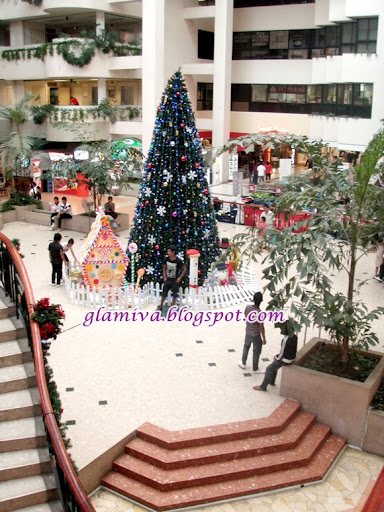 christmas tree with cute candy house in centre point kota kinabalu sabah