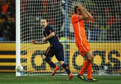 100711_spt-world-cup-iniesta-goal-hmed.h2