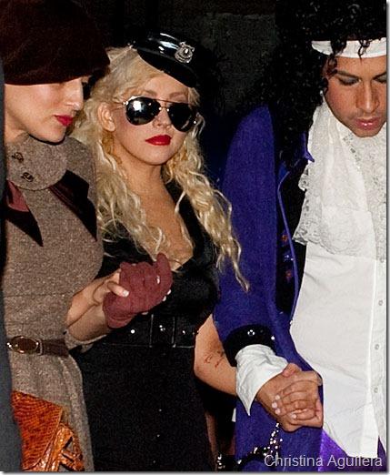 Christina Aguilera disfraz policia