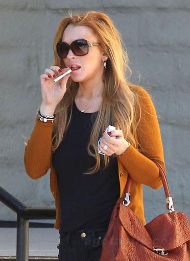 smoking lindsay lohan