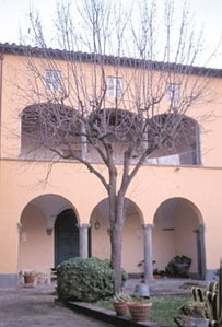 the Monastero della Visitazione di Vicopelago, where Puccini's sister Iginia was an Augustinian Prioress
