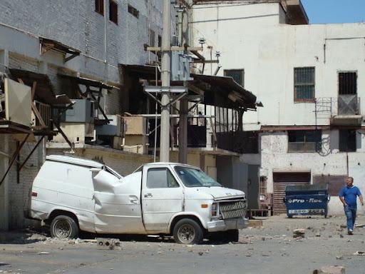 carro aplastado en mexicali chinesca