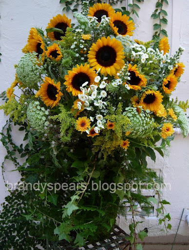 sunflowers summer wedding