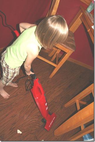2010-12-02 Kahlen Vacuuming