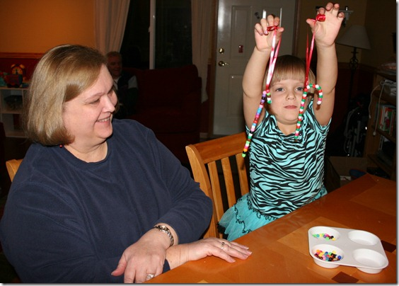 2010-12-12 Pipe Cleaner Candy Cane (4)