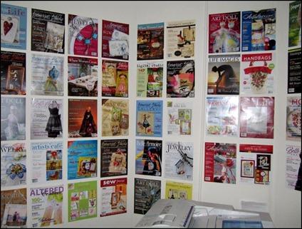10_Wallpaper in copy room [800x600]