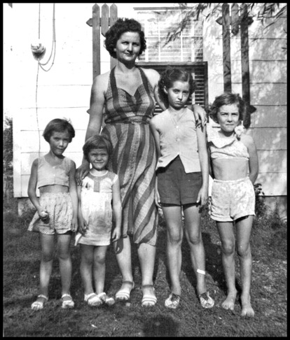 Bennie Swanson_mom with daughters 1951