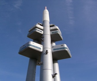 arquitectura-High-Tech-Torre-de-la-televisión-Žižkov-de-Václav-Aulický-Praga