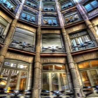 arquitectura-moderna-arquitecto-gaudi