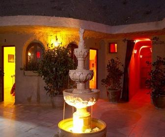 Hotel-Cueva-La-Tardienta_ entrada
