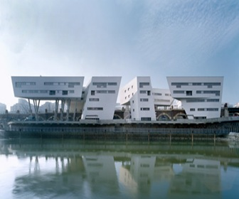 ZAHA-HADID-Spittelau-Viaducts-Housing-Project-arquitectura-moderna