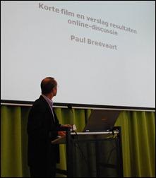 Paul Breevaart van OCW, de motor achter de regioconferenties, presenteert de resultaten van de onlinediscussie op LinkedIn