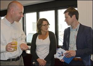 De na'zit': vlnr René Voorburg, Trudie Stoutjesdijk (KB), Vincent Robijn (GAR) - en met NCDD-boekje