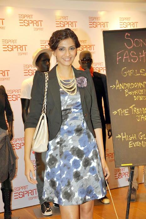 sonam kapoor launch esprit store actress pics