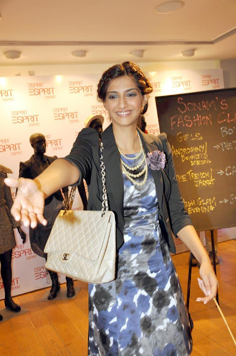 sonam kapoor launch esprit store glamour  images