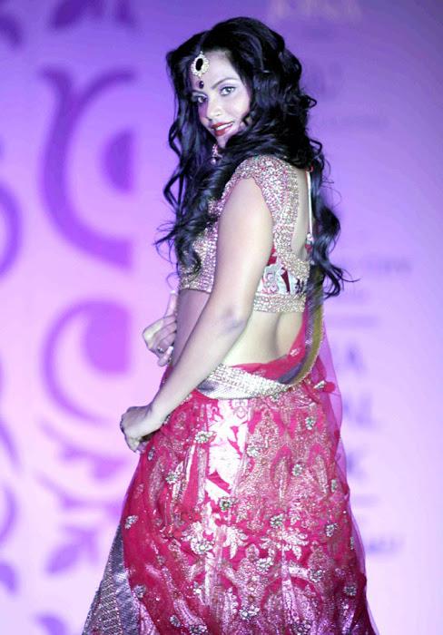 neetu chandra on rindia bridal week day unseen pics