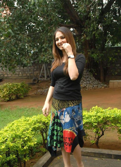 gowri munjal shoot actress pics