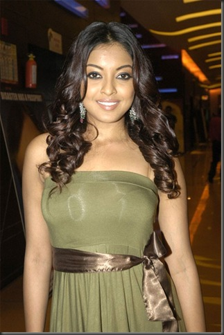 4tanushree dutta sexy bollywood actress pictures090310