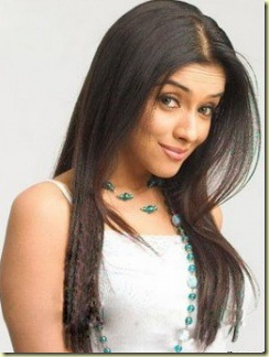 Asin sexy bollywood actress pictures110809