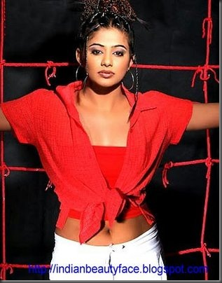 priyamani-hot-red-dress