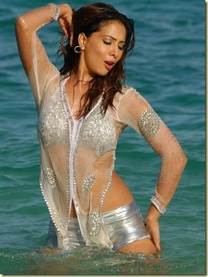 kim-sharma-wet-yagam