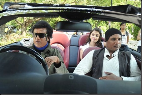 normal_Rajini_and_Aishwarya_Rai_in_Robo_Movie_Stills_(19)