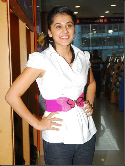 Tapsee-actress-wallpapers-1