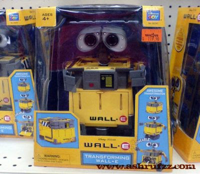 Wall-E Toy at Toys R Us MidValley
