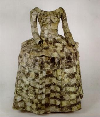 http://lh3.ggpht.com/_lrfEQYWbeEE/S6VsAJURneI/AAAAAAAAGDw/gnz8Xwq1qyM/zhou_yunxia_princess_dress_shuebbe_projects_2008_400.jpg