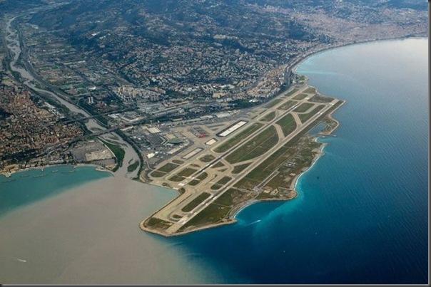 Vista aérea de pistas de aeroportos (16)
