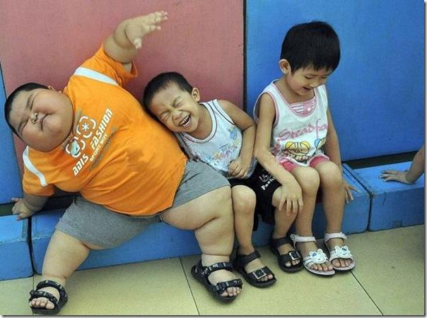 Mais uma criança chinesa obesa