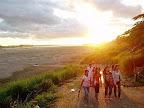 ラオス旅行記|乾季のメコンに沈む夕陽