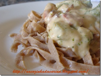 talharim-ao-molho-de-brócolis-com-bacon