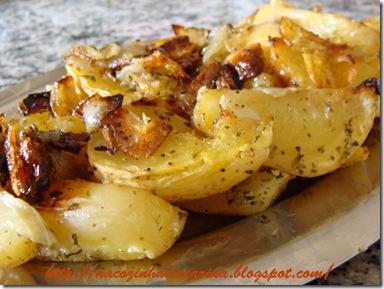 batatas-temperadas-e-assadas-com-casca