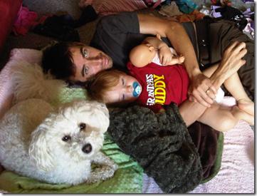 mavie, daddy and annie cuddles