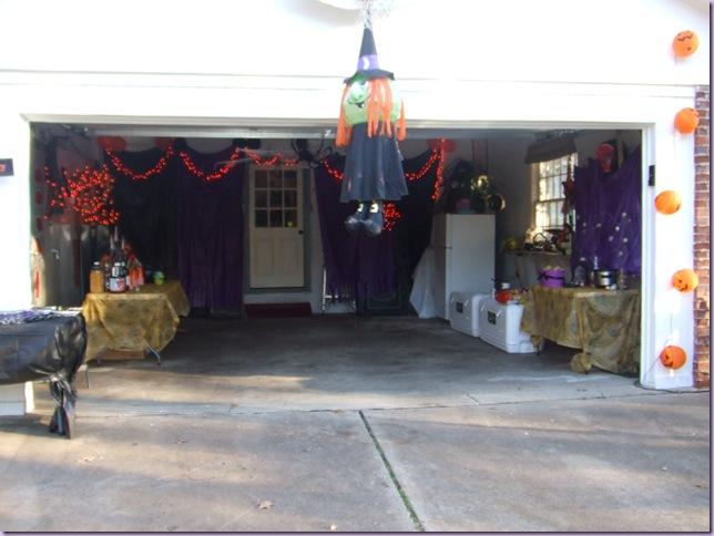 Decorating Ideas > Queenie Eileenie Bewitching Garage Halloween Party! ~ 092656_Halloween Garage Party Decorating Ideas