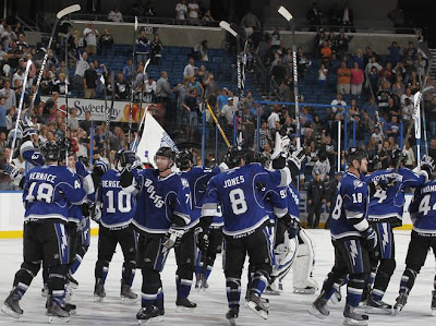 lightning_oct9_thrashers6.JPG