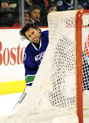 canucks_nov26_sharks4.jpg