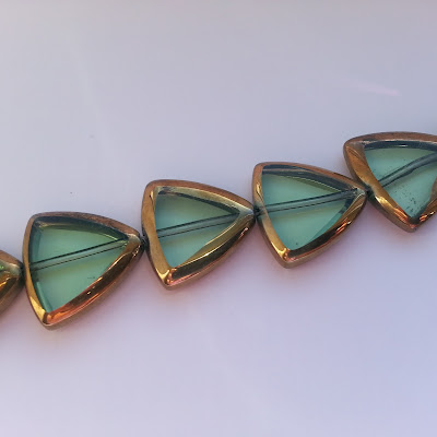 "Glass Loose Beads Triangle Green & Golden About 19mm x 19mm,25.5cm(10"") long"